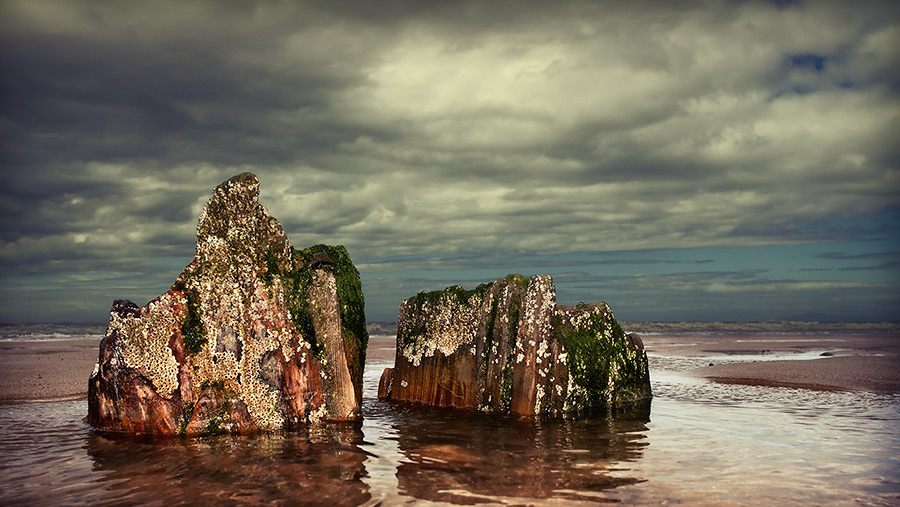 a rock and a hard place / 16x9 + fylde coast [scenic] + reflections [water]