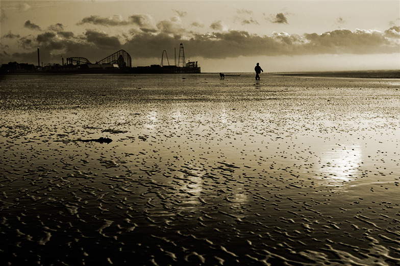 beach combing (south #2) / 3x2 + piers [South pier] + fylde coast [scenic] + photo friday