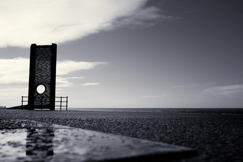 Cleveleys Shipwreck Memorial / 3x2 + camera [Sony RX1] + fylde coast [scenic] + show the original