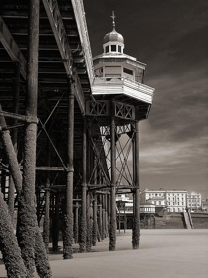 cool passion / 4x3 + piers [North pier] + fylde coast [scenic]