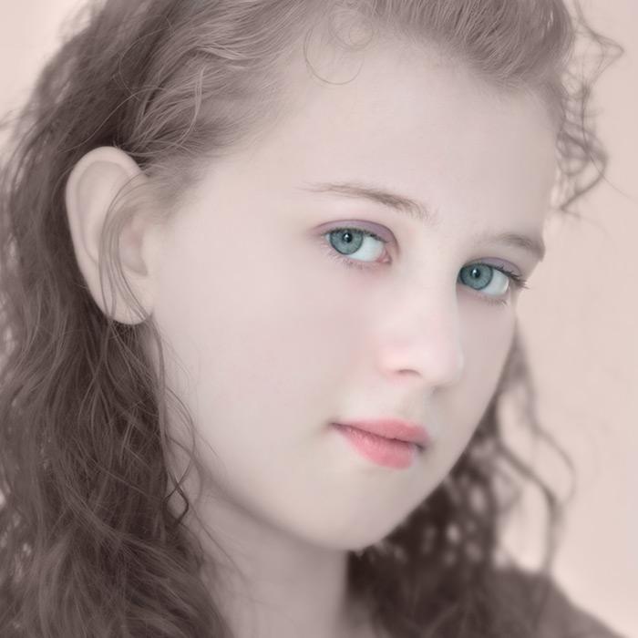 Daisy / 1x1 + children [portraits] + no print