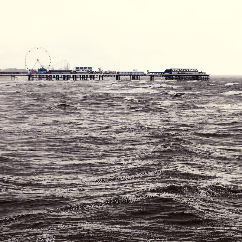drawn by the waves / 1x1 + piers [Central pier] + fylde coast [scenic] + show the original
