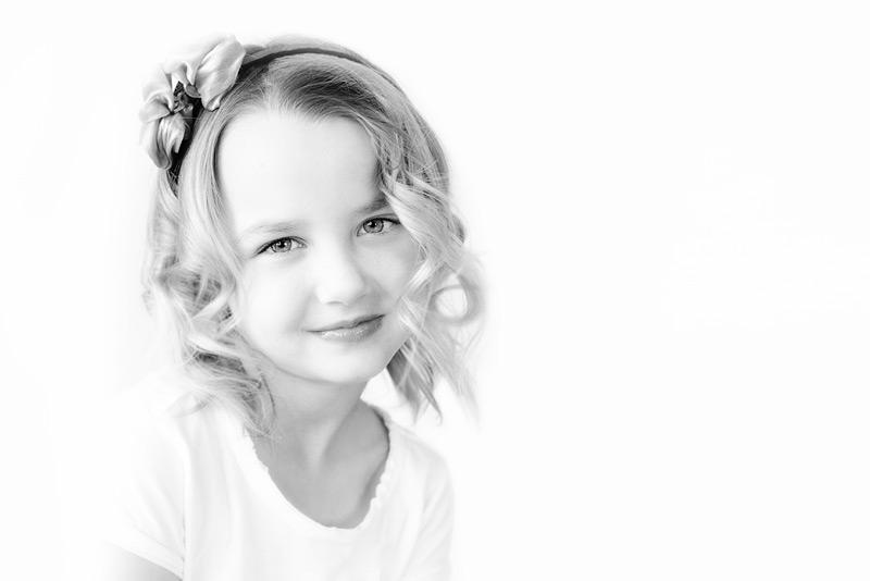 harmony / 3x2 + children [portraits] + show the original