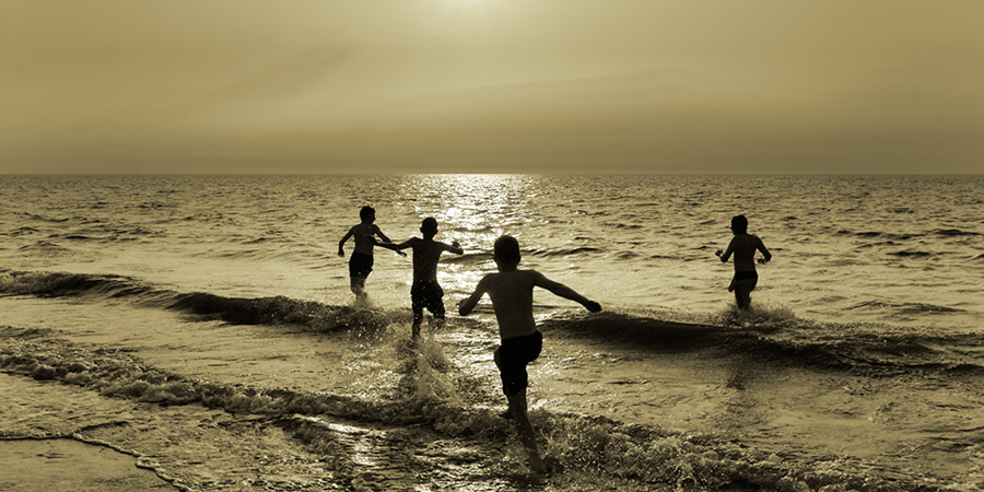 into the light / 2x1 + children [portraits] + fylde coast [scenic]