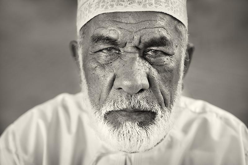 Muttrah Souq #4 / 3x2 + travel [Oman] + people [portraiture] + no print + show the original