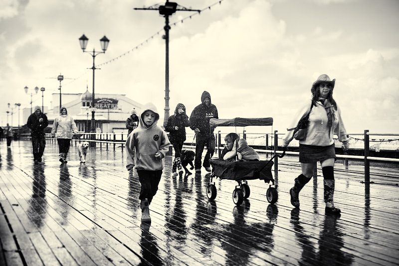 on blackpool pier / 3x2 + piers [North pier] + no print + people + show the original