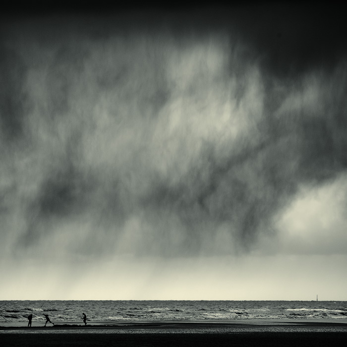 rain dance / 1x1 + fylde coast [scenic] + people