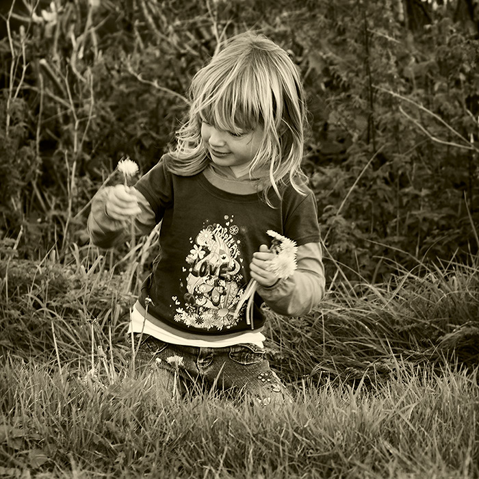 simple pleasures / 1x1 + children [portraits]