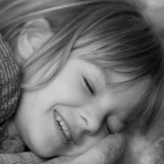 snuggled / 1x1 + children [portraits]