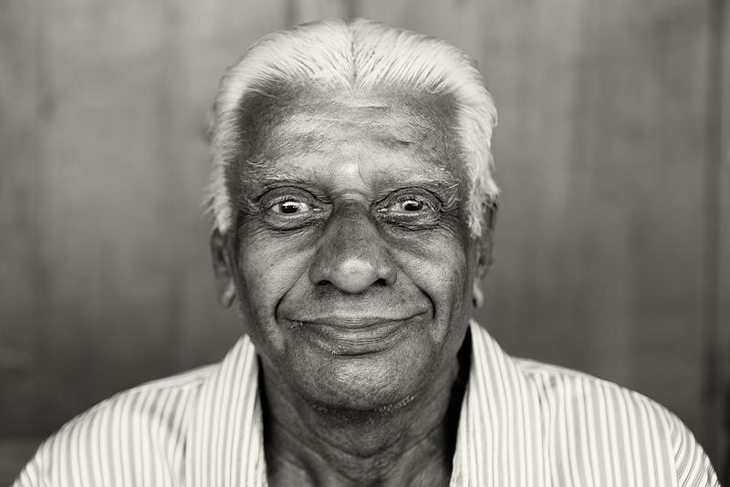 souk portrait #6 / travel [Dubai, UAE] + people [portraiture] + no print + photo friday