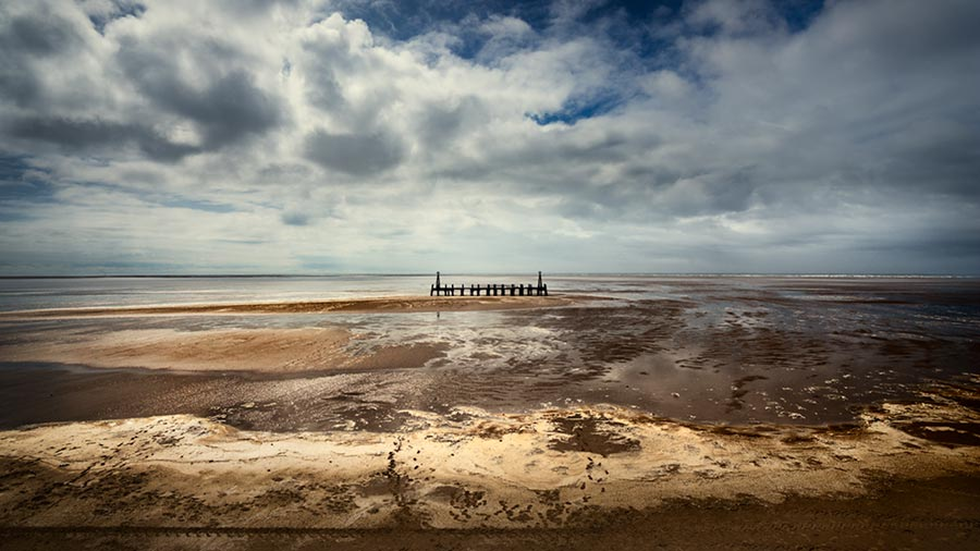 Untitled #157 / 16x9 + camera [Sony A99] + piers [St. Annes] + fylde coast [scenic] + show the original