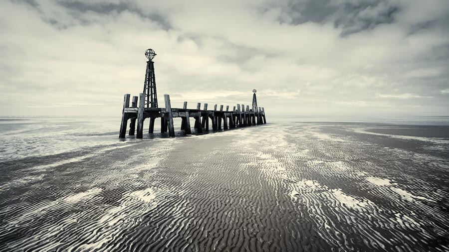 untitled #160 / 16x9 + camera [Sony A99] + piers [St. Annes] + fylde coast [scenic] + show the original