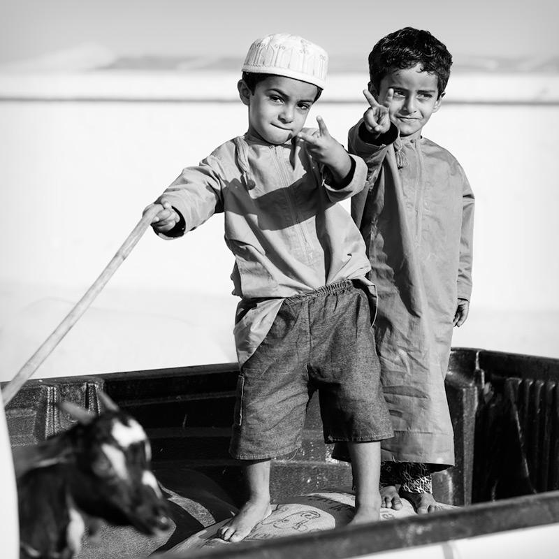untitled #166 / 1x1 + travel [Oman] + camera [Sony A99] + children [portraits] + no print + show the original