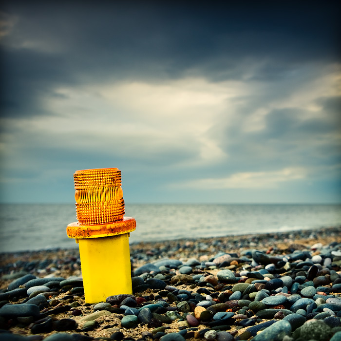 weather warning / 1x1 + beachcombing