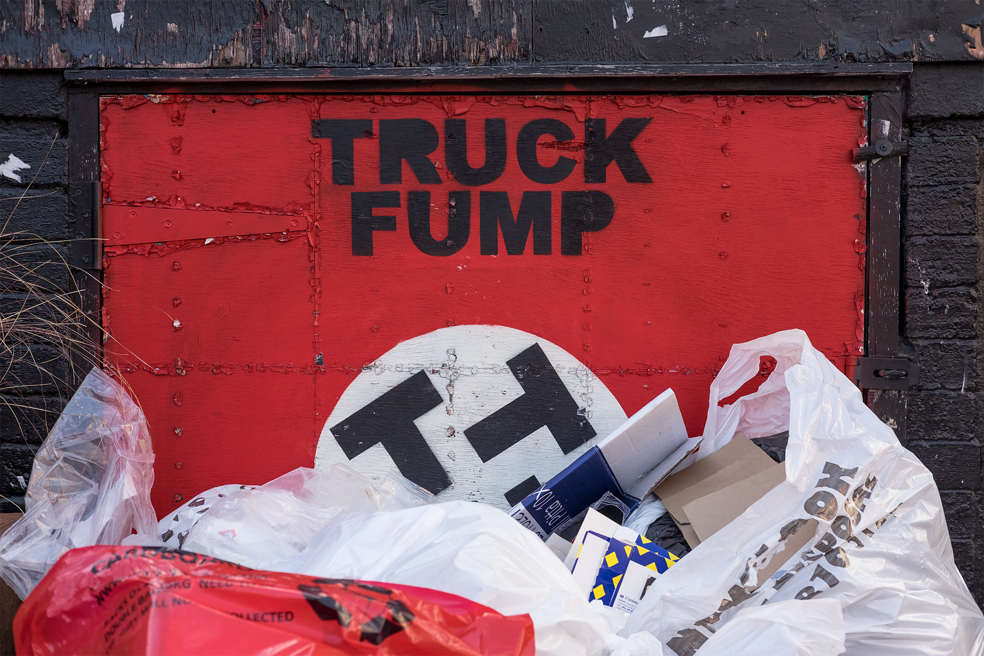 Truck Fump - Street Photography Show the Original Photography - truck fump original